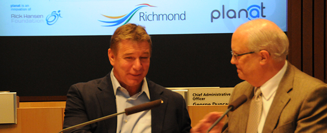 Greeting-Rick-Hansen-at-the-planat.com-roll-out